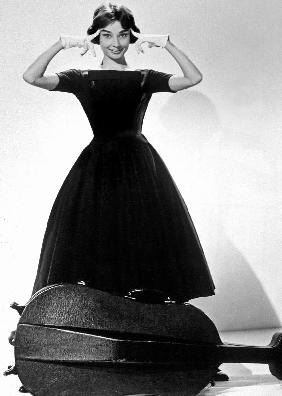 Ariane Love in the Afternoon de BillyWilder avec Audrey Hepburn Givenchy